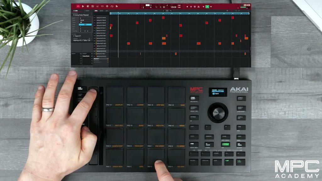 How To Use Note Repeat on MPC Studio 2