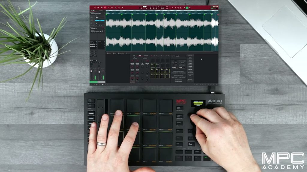 How To Slice and Sample Sounds With MPC Studio 2